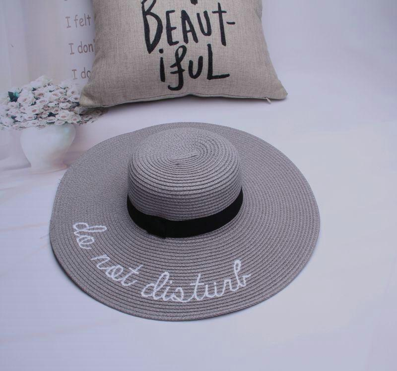 Горячие продажи широкими полями ВС шляпы для Леди письмо Вышивка соломенные шляпы девушки не беспокоить дамы соломенные шляпы леди ВС шляпа