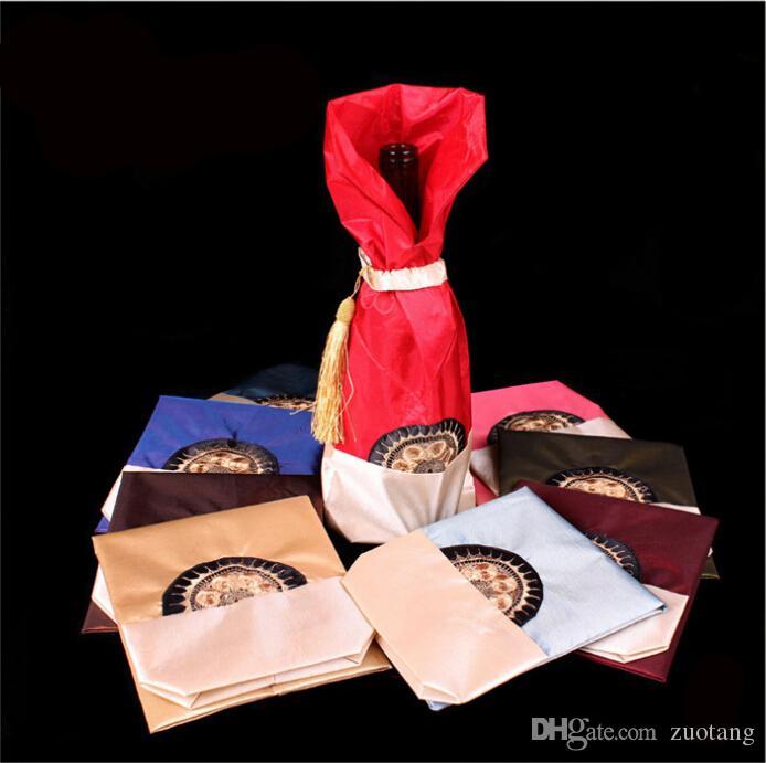 Tassel Chinese Style Torba wina Boże Narodzenie Butelka Pokrywa Dekoracji Tabeli Satynowej Tkaniny Butelki Wina Pakowanie Wouch Hurtownie Fit 750ml 50 sztuk / partia