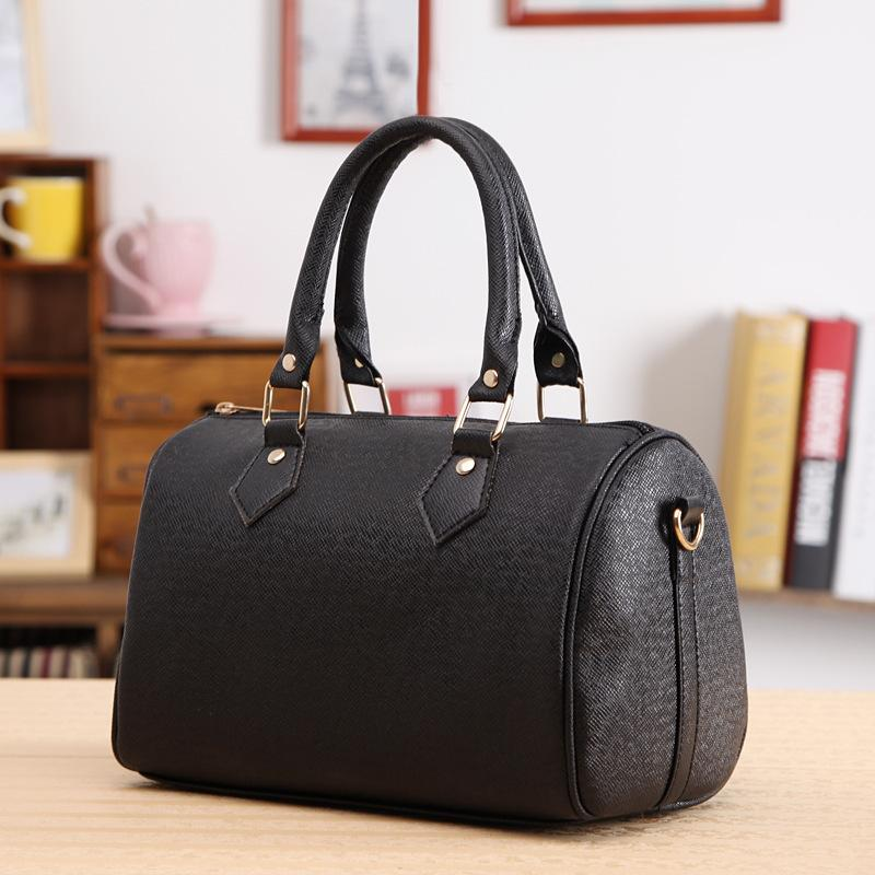 Wholesale Women Lady Vintage Sweet Casual PU Leather Zip Elegant Handbag  Crossbody Pillow Tote Bag White Black Red Shoulder Bags Leather Bags From  Wearbag 63ef89500b30c