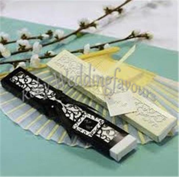 Frete Grátis Ventiladores De Seda De Bambu com Caixa de Presente de Corte A Laser Fã De Seda Favores Do Casamento Do Chuveiro Do Partido Evento Decoração de Aniversário Giveaways