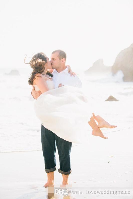 Simples Doce Praia Vestidos de Noiva 2017 Tule Sem Alças Sem Mangas Tornozelo Comprimento Longo Branco Puffy Vestidos de Noiva Barato