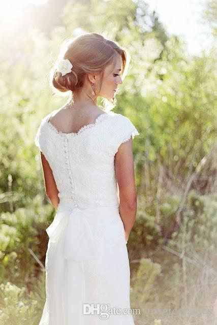 Elegante Country pizzo Abiti da sposa sirena V del collo del manicotto della protezione da sposa modesto Abiti da sposa Boho Beach bottone ricoperto Cheap