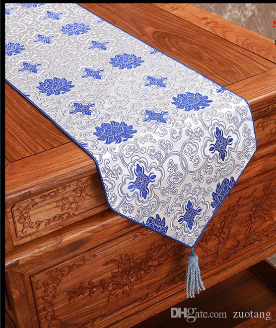 Happy Fancy Chinese Silk Fabric Table Runner Christmas Rectangle Damask Table Cloth Decorative Dining Table Mat 200x33cm