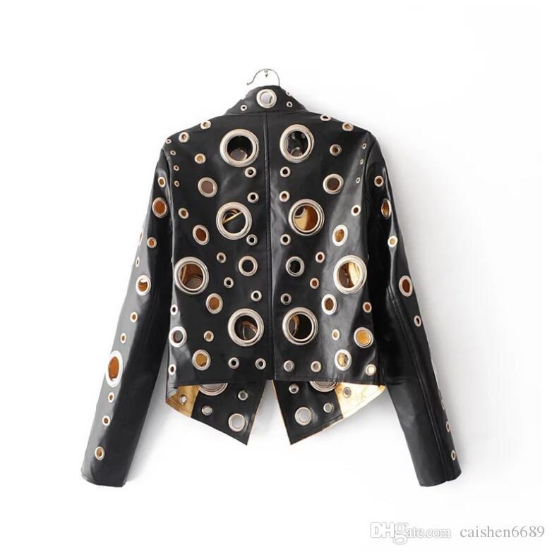 Giacca nera Rivet pelle Donne 2017 Oro PU Coat Abbigliamento Donna Bassa Esile Moto tuta sportiva femminile casuale