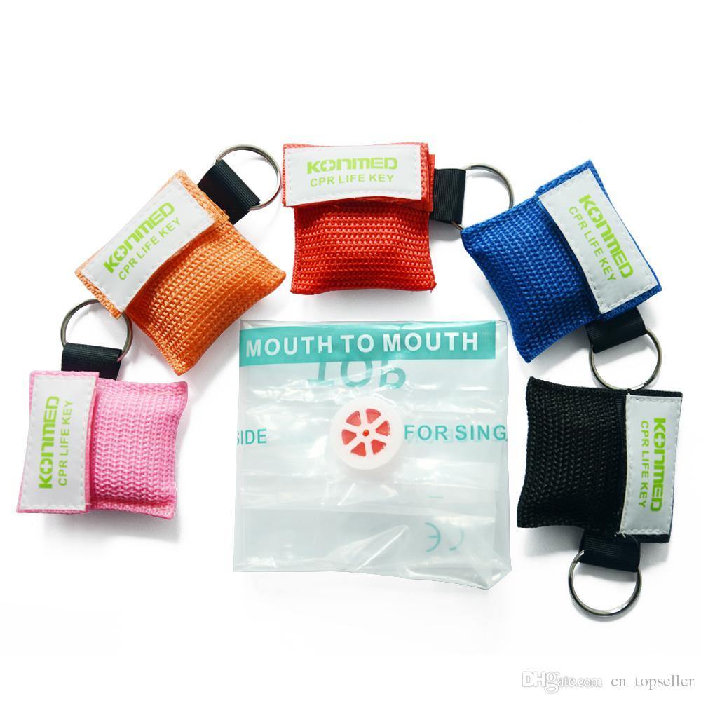 مجموعة مفاتيح قناع CPR - صمام أحادي الاتجاه وقناع للوجه CPR Face Shield مع سلسلة مفاتيح للتدريب على الإسعافات الأولية