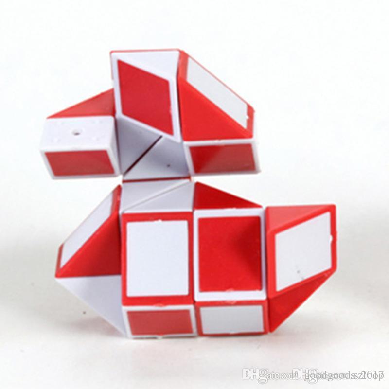 Mini Cubo Mágico New Hot Cobra Forma Toy Game 3D Puzzle Cube Torção Puzzle Brinquedo de Presente de Inteligência Aleatória Brinquedos Supertop Presentes M0605