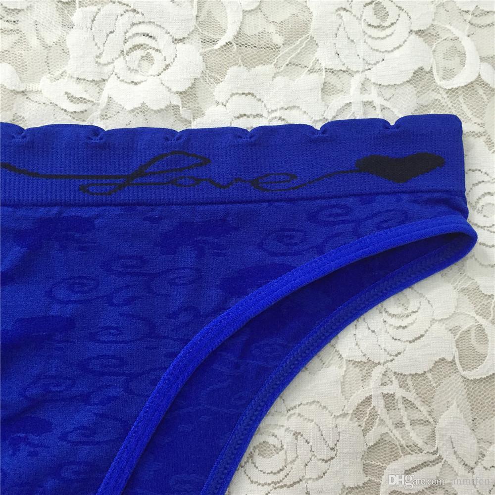 Latest Comfortable Women Underwear Sexy Ladies Seamless Cotton Bikinis Panties with Love Floral Pattern