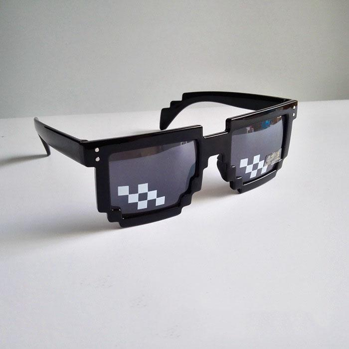 Cadılar bayramı Partisi Thug Yaşam Gözlükleri 8 Bit Piksel IT Güneş Gözlüğü Unisex Noel Güneş Gözlüğü Ile 14 cm hakkında Sıcak Satış