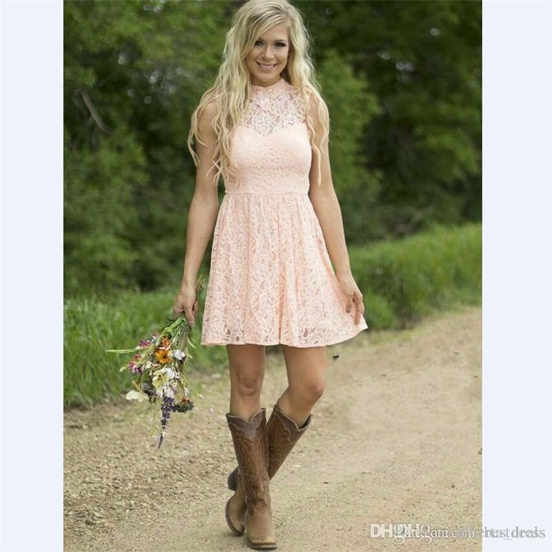 Modest Country Western Full Lace Peach Green Lace Breidesmaid Abiti da damigella d'onore Una linea High Neck Senza maniche Partito di nozze Abbigliamento formale