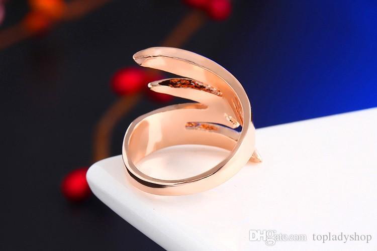 Los más nuevos anillos de compromiso con alas de ángel 18K Chapado en oro rosa y pavimenta cristales checos Joyería de moda anillos de boda