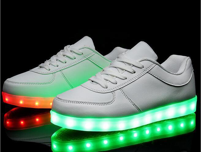 Led Licht Schoenen : Großhandel led schuhe frauen feste neue mode schoenen casual