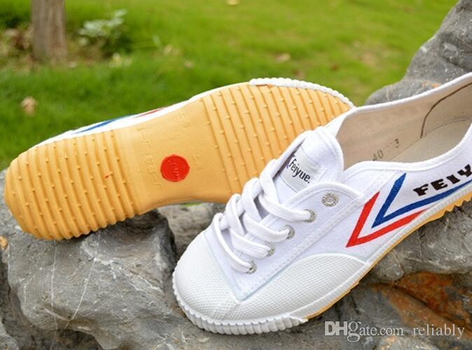 Feiyue Ultra light холст кроссовки обувь для мужчин и женщин, для кунг-фу боевых искусств и повседневная спорт классический черный и белый холст обувь