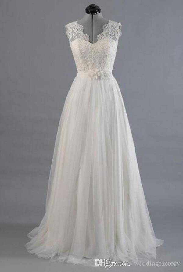 Precioso una línea de vestidos de boda de playa barato de alta calidad con cuello en v vestido de novia occidental Top de encaje handmad flores sash falda de tul vestido de novia
