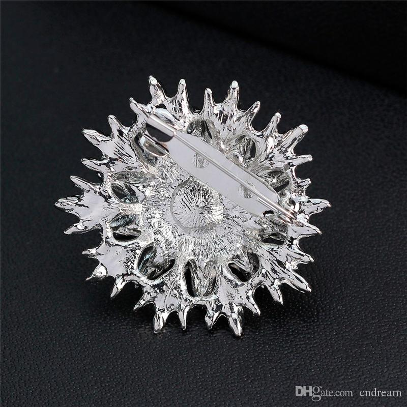 Rhinestone Pearl Flower Brooches Pins Scarf Clips Silver Fashion Jewelry for Women Men Christmas Gift Drop Shipping
