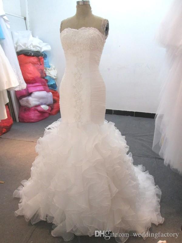 Magnífico vestido de boda con sirena volante Falda de volantes Faldas sin tirantes Perlas con cuentas apliques de cordones ruchados Vestidos nupciales real Imagen realizada