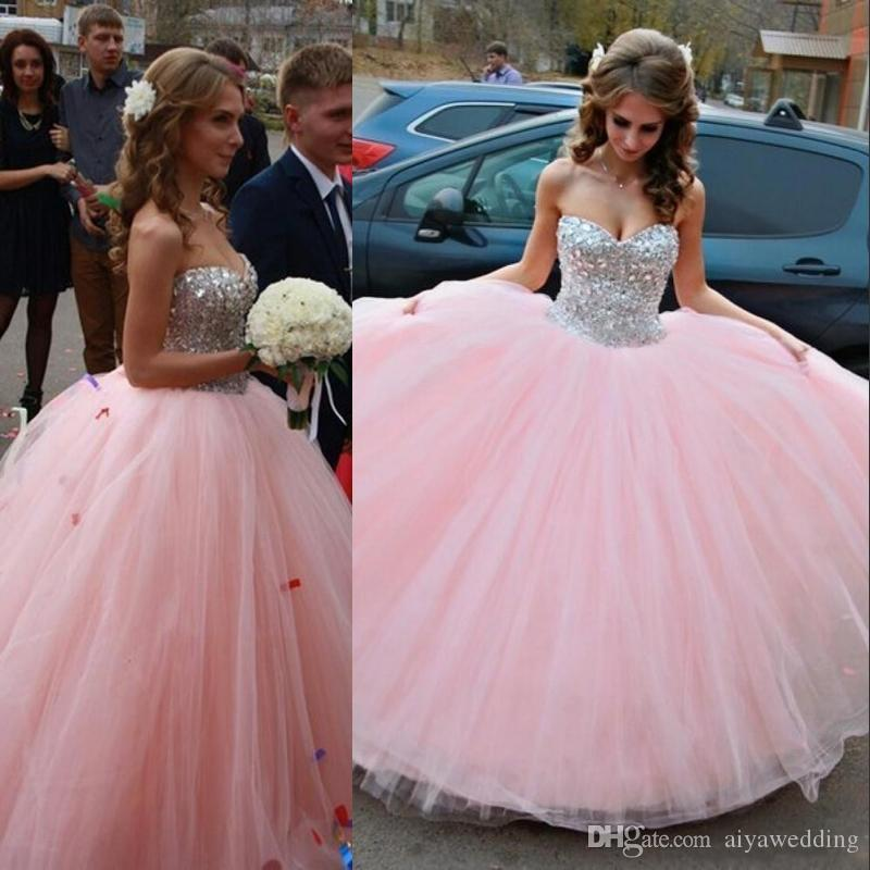 2019 New Blush Pink Sparkle Quinceanera Dresses Backless Beaded Crystals Sweet 16 17 Vestidos Sweetheart Ball Gown Tulle Prom Vestidos de gala