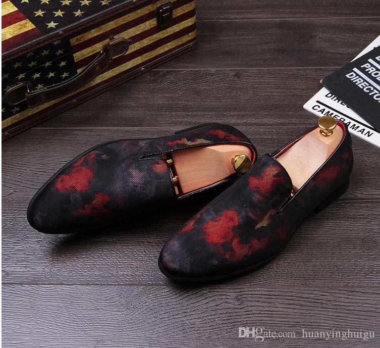 Neu kommen Männer Hochzeit Kleid Kleid Stoffbezug Leder Schuhe atmungsaktiv flache Schuhe Oxford spitze Zehen Zapatos Moccasins AXX95