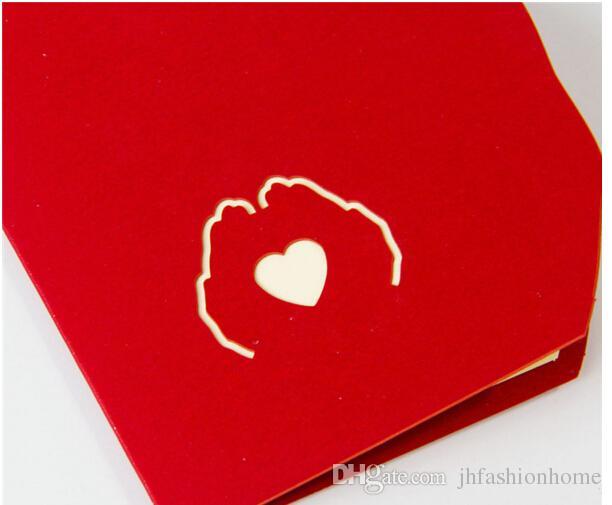10X15CM kreativer Gruß-Karte der Karte 3D kundenspezifischer Valentinstag glückliche Glückwunschkarte Einladung mit rotem Herzen des Umschlags an Hand
