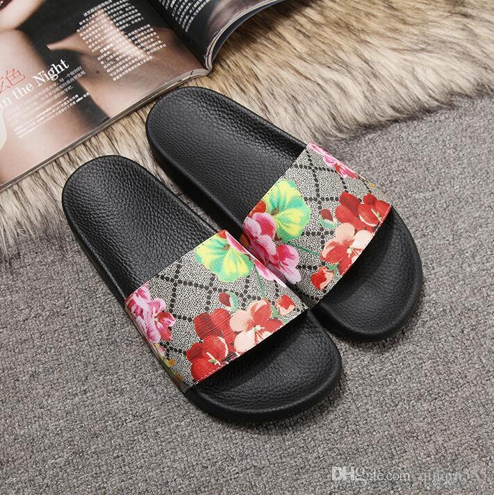 Women Slide Summer Korean Fashion Wide Flat Slippery With Thick Sandals Slipper House Stud Flip Flop With Spike For Female