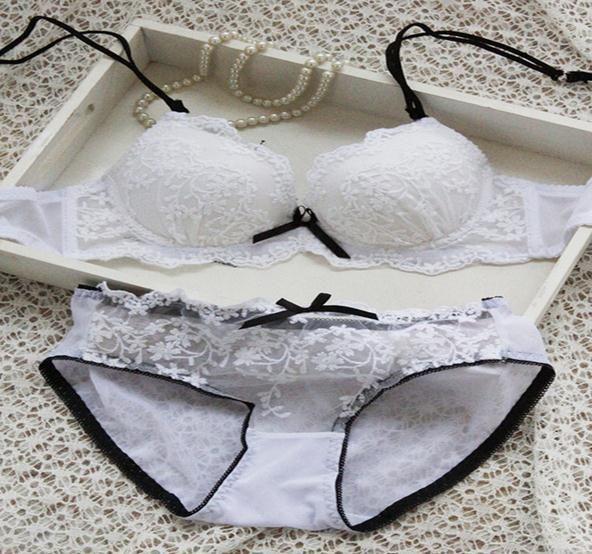 Nette Auflage modelliert Bhs-Spitze-reizvolle Wäsche-Stickerei-Breathable Brust-Frauenmädchenunterwäsche dünner Büstenhalter-Schriftsatz