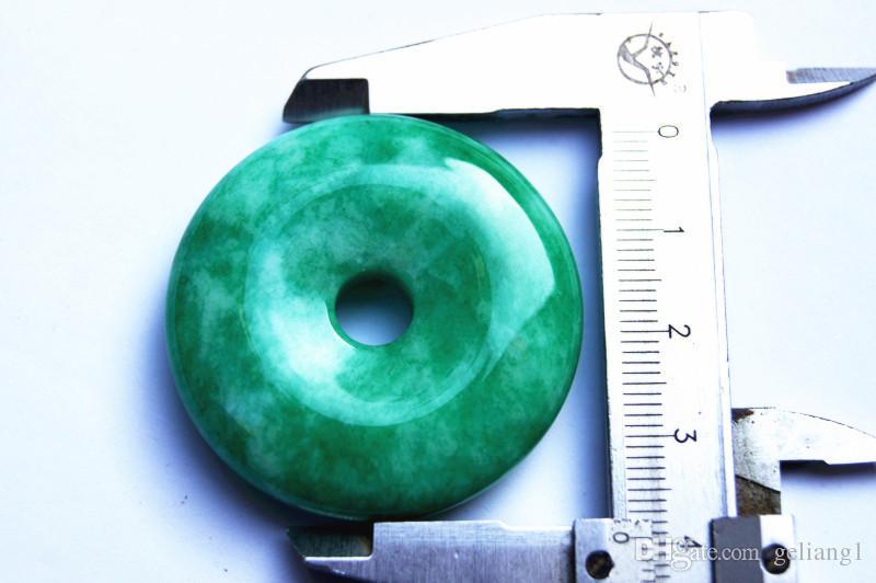 % 100 el oyma, doğal renk yeşim kolye, barış düğmesi. Kolye, kolye.