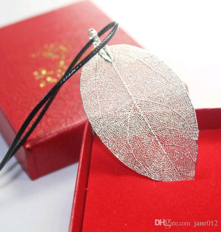 يترك الطبيعية مجوهرات النساء أزياء مطلية بالذهب الأسود حبل جلد الطبيعة ليف قلادة قلادة مع علبة هدية للرجال بالجملة
