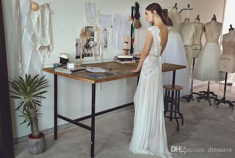 Boho Brautkleider 2019 Bohemian Brautkleider mit Cap Sleeves mit V-Ausschnitt Open Back Faltenrock eleganter A Linie Brautkleider