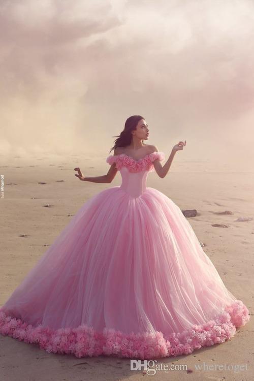2019 Promkleider Baby Pink Ballkleider weg von der Schulter Korsett Heiße verkaufende Bonbon-16 Abschlussball-Kleider mit handgemachte Blumen-Hochzeit Kleid