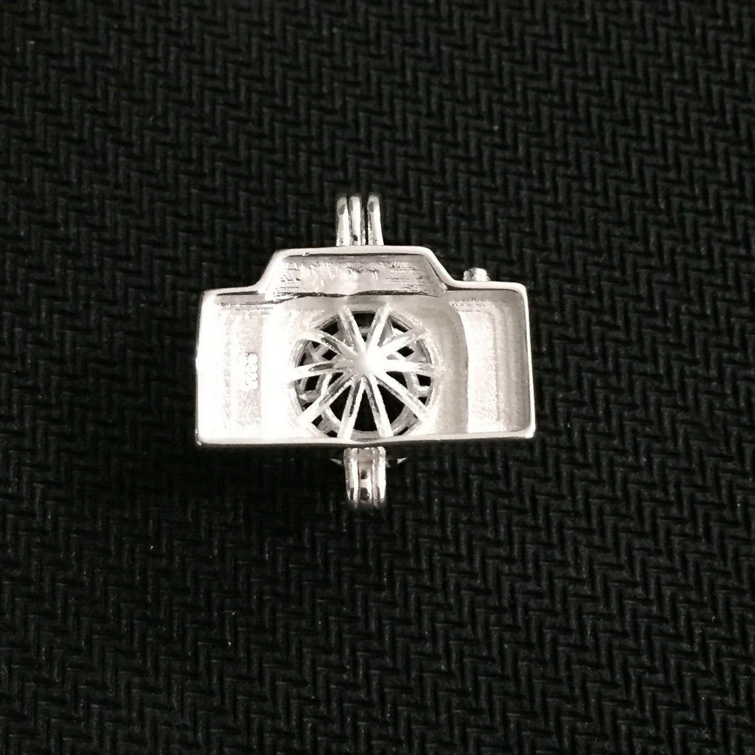 925 Silver Wish Bead Pendant Locket/ Can Open Camera Cage