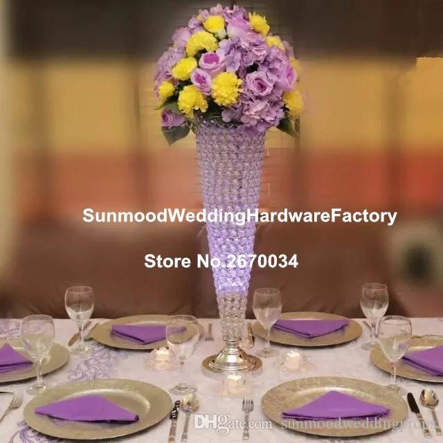 Высокие тонкие прозрачные цилиндрические стеклянные вазы для украшения свадебного стола