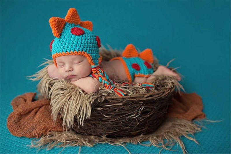 Новый Крючком Новорожденных Мальчиков Динозавр Наряды Детские Фотографии Реквизит Вязаный Динозавр Шляпа Набор Младенческой Фото Реквизит