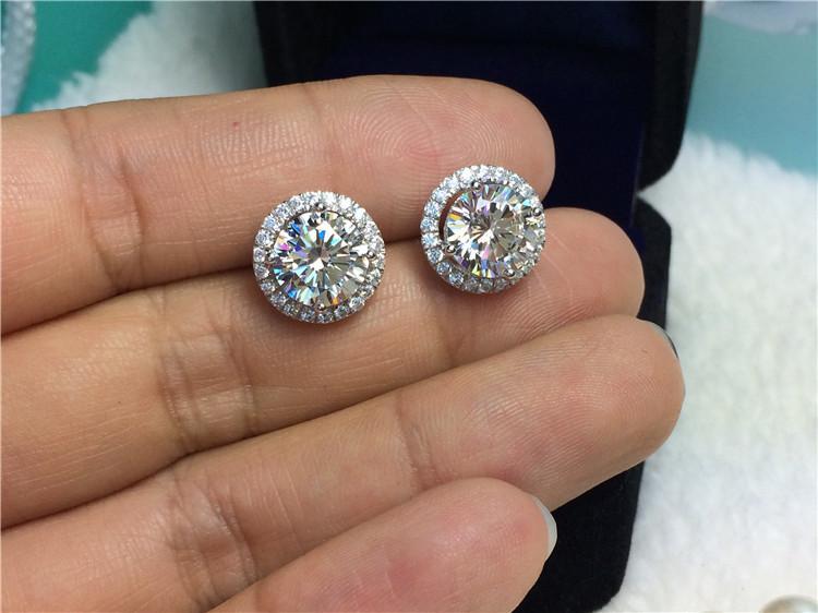 4 Karat / çift Mikro Kaplamalı Dağı Yuvarlak Kesim Sentetik Elmas Mücevherat Nişan Küpe Damızlık Toptan Gümüş Takı Ince