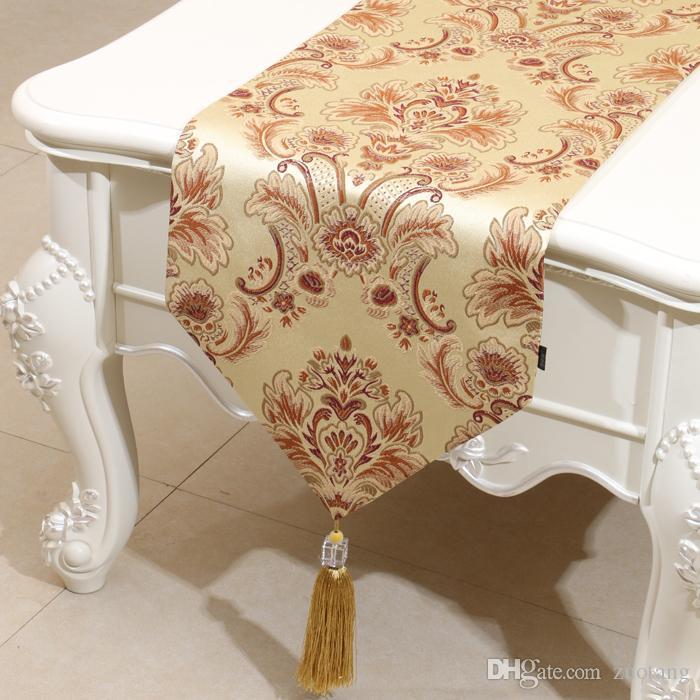 Kurzer Länge geprägter Jacquard Tischläufer Europa Amerikanischer Stil High-End-Couchtisch-Tuch Mode Einfache Esstisch Matten 150x33 cm