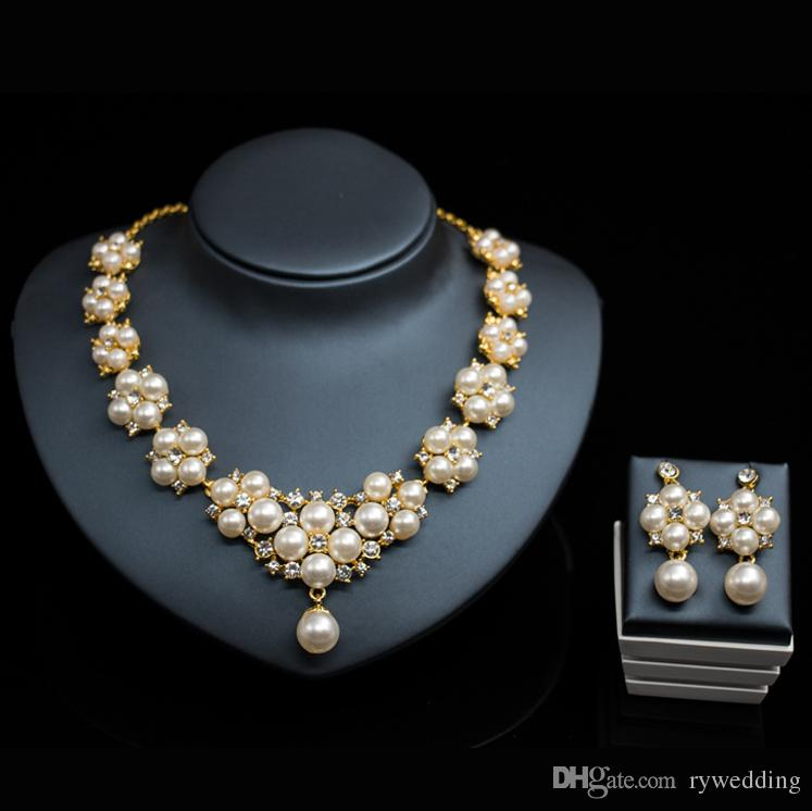 Luxury Bridal Jewelry Pearl Necklace Earring Accessories Sets Flower Shape  With Crystal Necklace Wedding Jewelry Engagement Jewelry Hot Sale David  Tutera ... 9b6afaed38d9