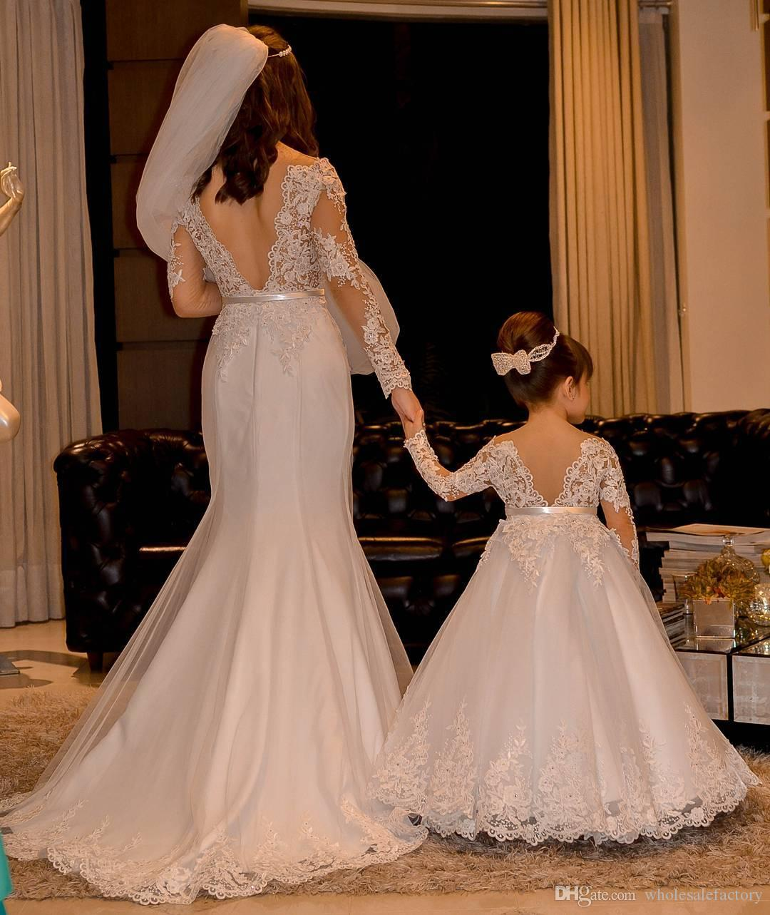 Vintage Long Sleeves Lace Flower Girl Dresses 2017 Jewel Neck Backless with Sash Mother Daughter Gowns Mini Me Party Dresses For Weddings