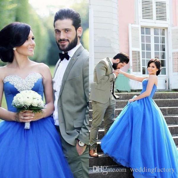 Moda vestido de novia de colores vestido de bola cariño escote sin mangas con cuentas azul de tul sin tirantes vestidos de novia por encargo