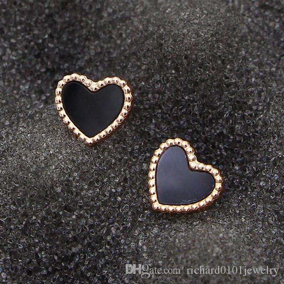 Hot Sale Titanium steel Heart Love studs earrings female models Korean version rose gold black agate onyx shell mini earrings wholesale