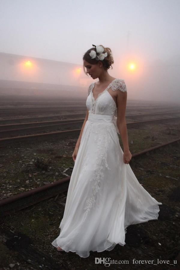 Gorgeous Bohemian Wedding Dress Eine Linie V-Ausschnitt mit Capped Schulter ärmellos Sexy Backless Land Brautkleider mit Spitze Appliques und Schärpe
