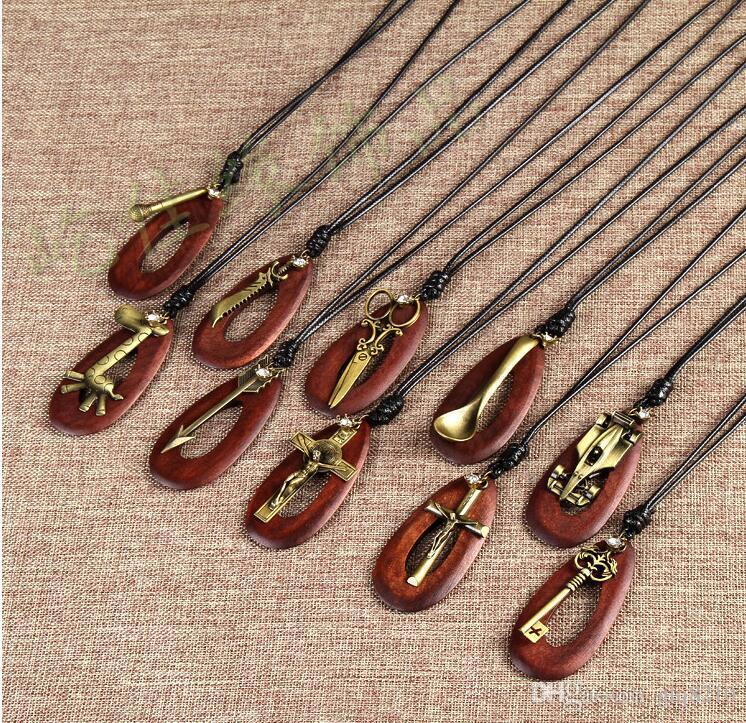 cru en bois massif Colliers ovale double girafe Ngau Tau Tour Eiffel Couple chaîne Pull Croix pendentif hommes en cuir femmes fait main élégant
