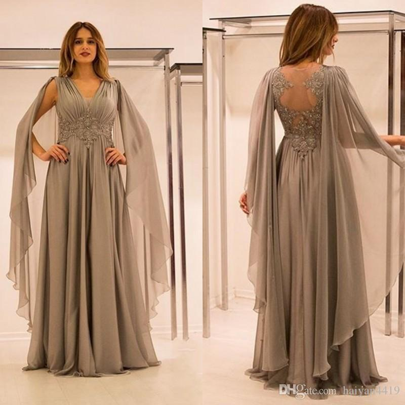 2020 New Formal Silver Chiffon Mother Of The Bride Dresses V Neck Lace Appliques Beaded With Cape Plus Size Party Dress Formal Evening Gowns