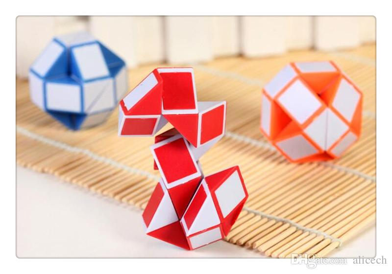 2017 new Intelligence toys Blue/ Red Snake Magic Cube Twist Jigsaw Puzzle Magic Ruler 3D Snake Toys Gifts