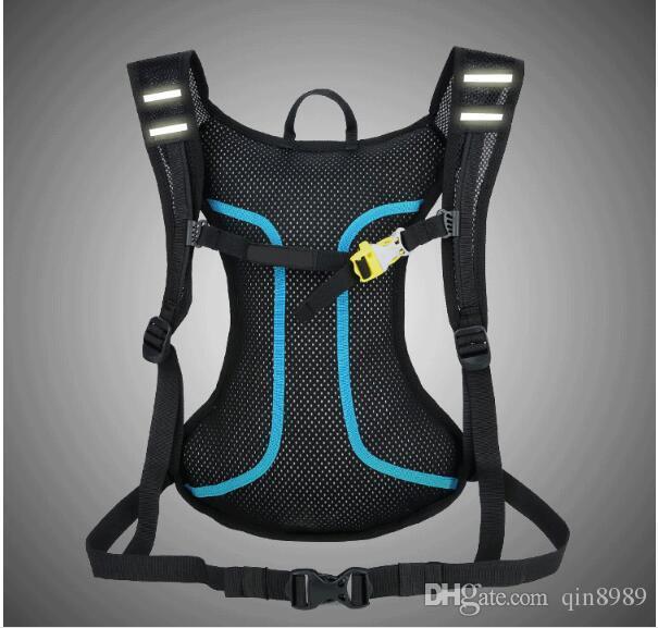 Um novo tipo de esportes ao ar livre multi-funcional e lazer mochila de equitação leve portátil impermeável