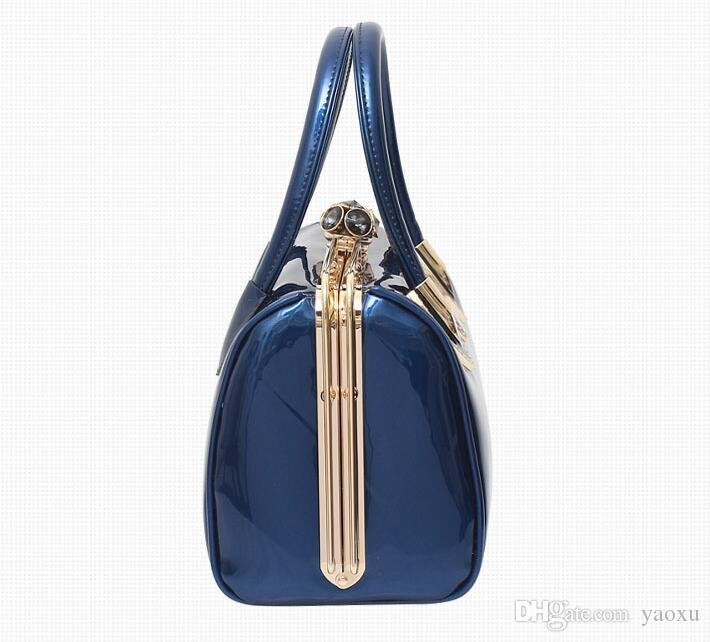 ファッションスカルダイヤモンド女性バッグクリスタルレディースイブニングバッグ花嫁トートバッグ女性結婚式ハンドバッグブランドデザイナー
