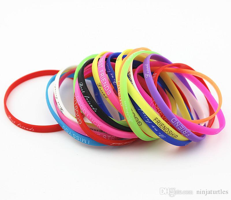 Оптовые партии 100 шт. mix цвета письма печати силиконовый браслет Браслет 5 мм эластичный резиновый браслеты дружбы мужчины женщины ювелирные изделия MB192