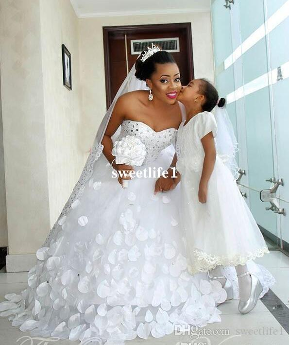 Nigerian Style Ball Gown African Wedding Dress 2019 Plus Size Sweetheart Crystal 3D Floral Appliques Petal Princess Bridal Gowns