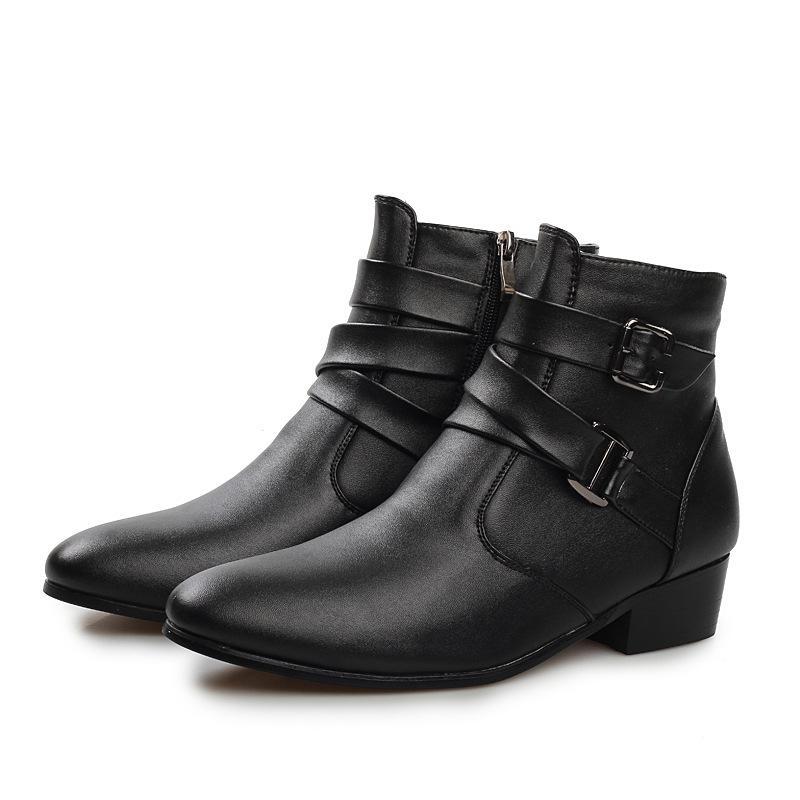 Acheter 2017 Nouveau Automne Bottes D hiver Hommes Pointu Pu Cuir Cheville  Bottes Britannique Laine Chaud Martin Bottes De Mode Hommes Chaussures Noir  Blanc ... d7dd0d62a502