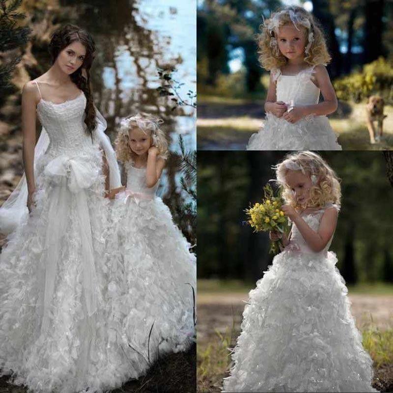 Sale Adorable Ball Gown Flower Girls Dresses for Weddings Birthday Ruffles Sequins Spaghetti Straps For Children Communion