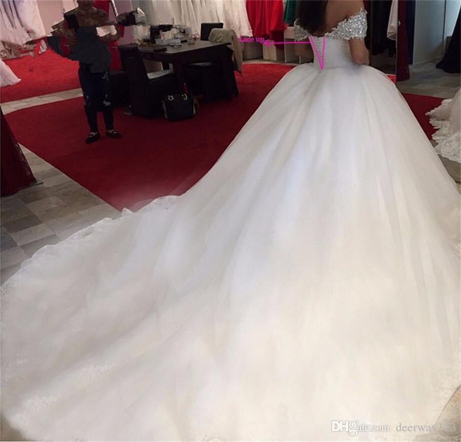 جديد الخرز كريستال قبالة الكتف الحبيب الدانتيل الأبيض الكرة أثواب فساتين زفاف للعرائس منتفخ أثواب الزفاف