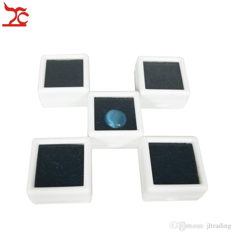 Small Cute Plastic Loose Gemstone Diamond Display Package Box Square White Black Gem Case Memory Foam Pad Beads Pendant Box Showcase 3*3*2cm
