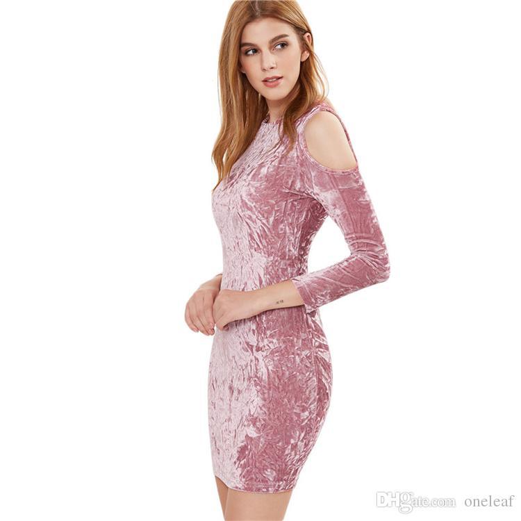 Acquista Vestito Da Festa Da Donna Sexy Scoperte Spalle Vestiti Di Velluto  Manica Lunga Elegante Abito Da Sera Girocollo Sopra Al Ginocchio  Affascinante ... 5e3c65dfe1e